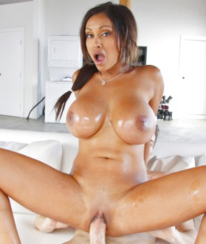 Hottest mom gets fucked